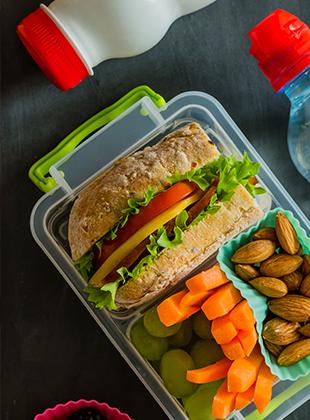 איזה מזונות עוזרים לריכוז בלימודים?